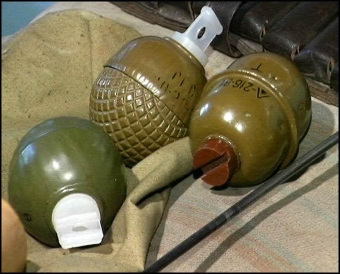 شااامل : الرمانات (القنابل اليدويه) Corpse-2