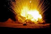 Стотонный тестовый химический взрыв в